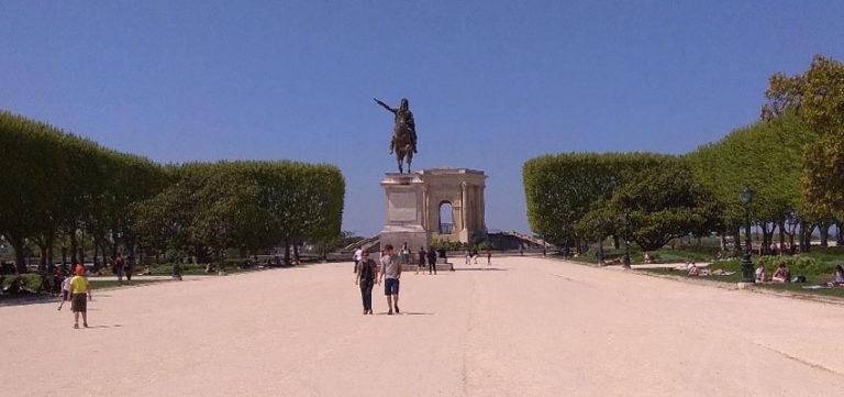 El Parque de Peyrou de Montpellier : el Sitio ideal para Estudiar Francés al Aire libre